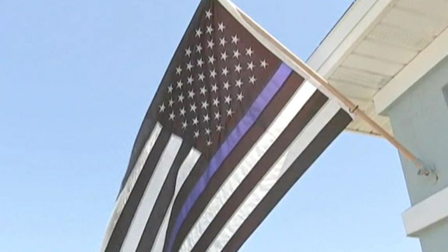 #BlueLivesMatter No Matter what ANYONE says #AllLivesMatter   If you think this Flag is Racist, YOU ARE THE RACIST!  http://www. foxnews.com/us/2017/03/24/ blue-lives-matter-flag-deemed-racist-ordered-to-come-down.html &nbsp; … <br>http://pic.twitter.com/0cGaVZPZCH