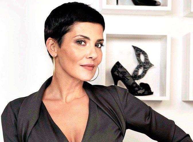 La #coupedecheveux &quot;hors de prix&quot; de #CristinaCordula ! #haircut #cheveux #coiffure #coiffeur #unboncoiffeur  https://www. unboncoiffeur.fr/actualites/la- coupe-de-cheveux-hors-de-prix-de-cristina-cordula-684.html &nbsp; … <br>http://pic.twitter.com/rjqczCEdAC
