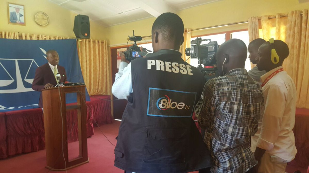 #Kinshasa #ICC #Outreach answers questions from media about #reparations #Katanga / #CPI répond aux questions médias #réparations #Katanga<br>http://pic.twitter.com/ctWhGBlrZL