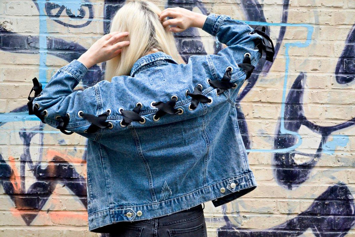 Nouveau look sur le blog :  http://www. naholia.fr/2017/03/my-fav -jacket.html &nbsp; …  . @Bershka #detailsoftheday #look #jacket <br>http://pic.twitter.com/7irhJYUHqW