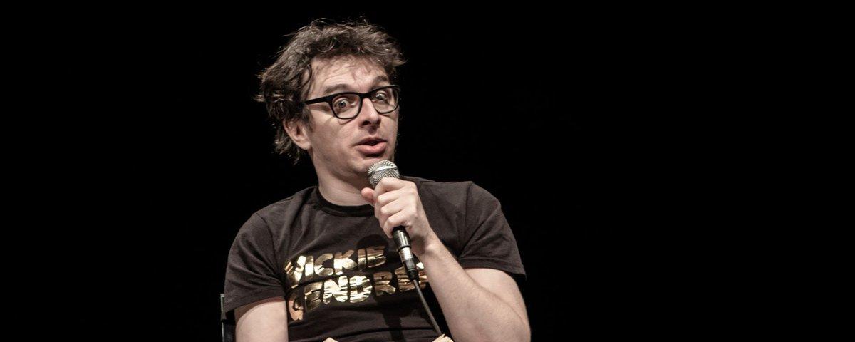 CRITIQUE - La Vie littéraire, stand-up poétique et fou à @la_chapelle  http:// bit.ly/2nkEAR4  &nbsp;   #theatre #standup <br>http://pic.twitter.com/RJPjEuVJnd