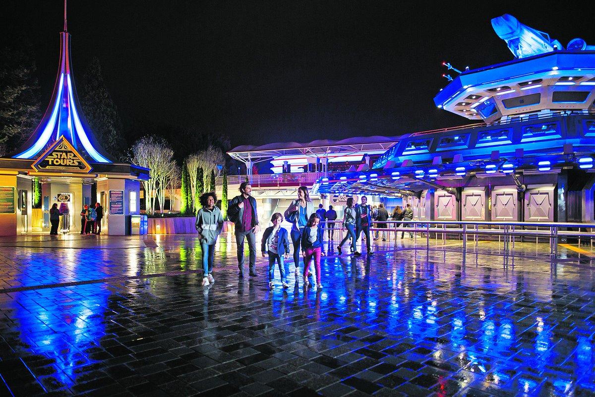 VIDEO - #DisneylandParis : on a testé «#StarTours2 »  http://www. lefigaro.fr/sortir-paris/2 017/03/24/30004-20170324ARTFIG00219-disneyland-paris-on-a-teste-star-tours-2.php &nbsp; …  via @Figaroscope<br>http://pic.twitter.com/iU0oxs6Zbq