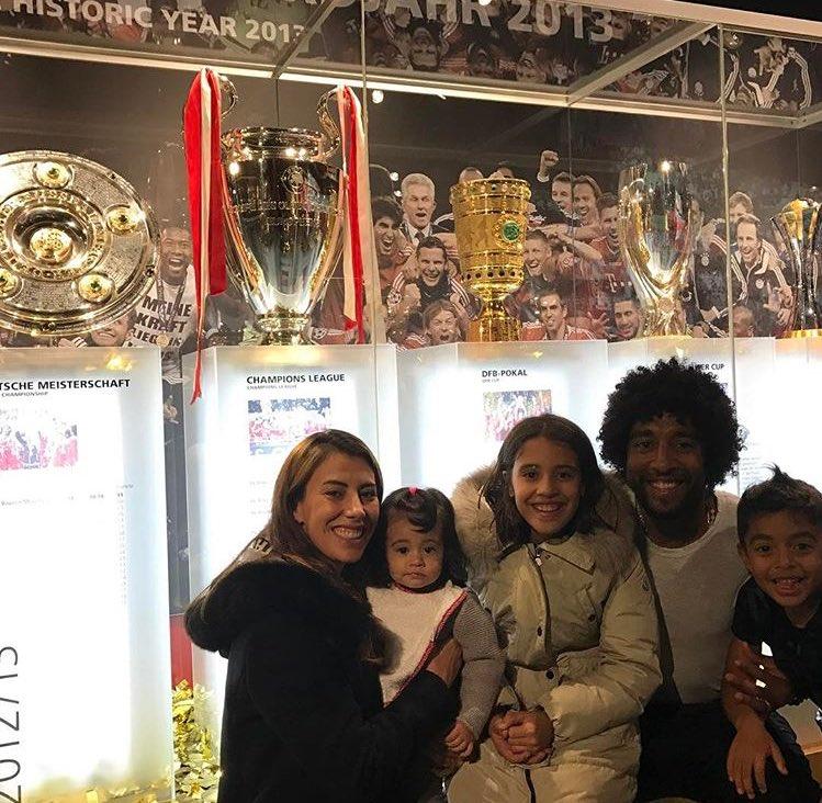Schönster Moment, @FCBayern triple #miasanmia. 🥇🥇🥇 https://t.co/nlElzd...