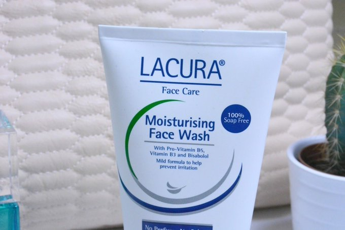 Kira L Curtis: Lacura Moisturising Face Wash Review