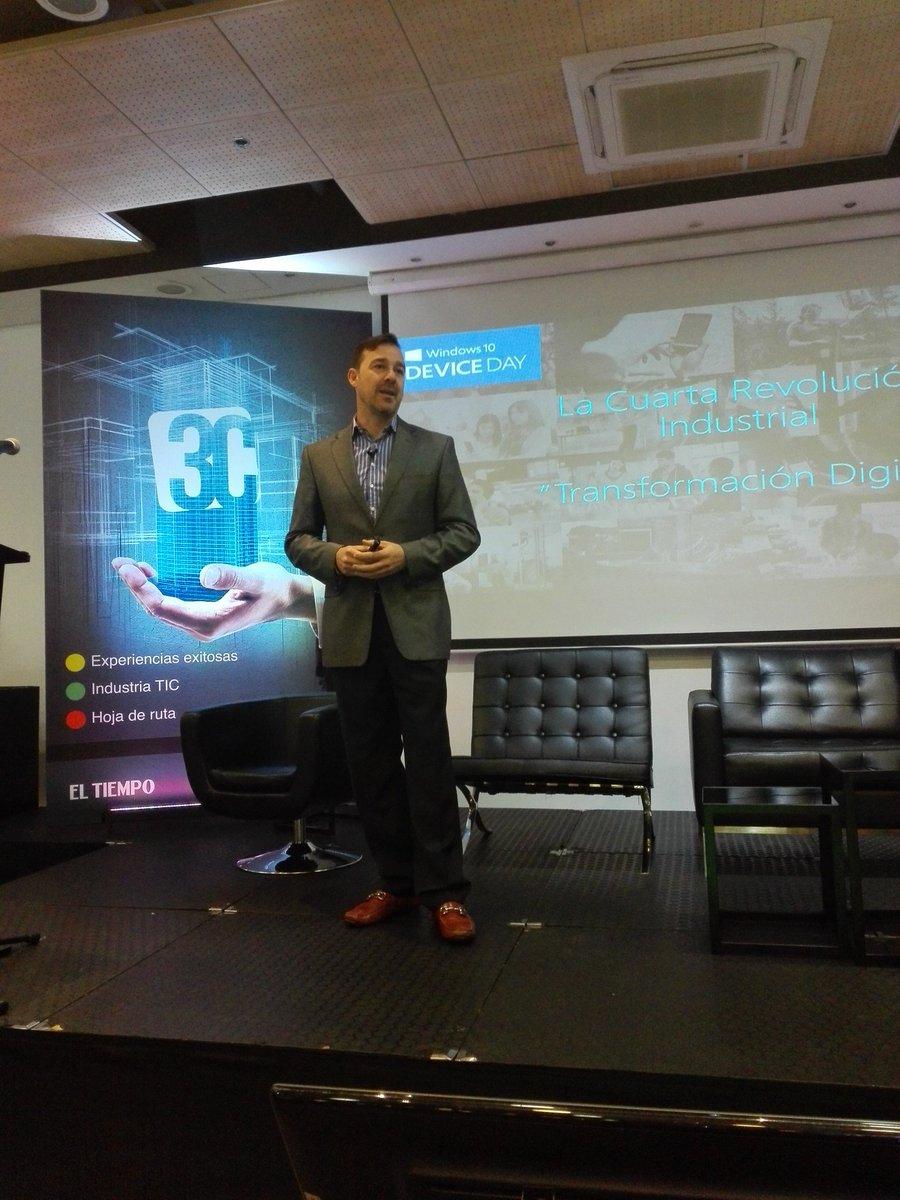 Marco Casarín, gerente @MSFTColombia en #Foro3C #TransformaciónDigital @CINTELColombia https://t.co/fYVVmzooYW