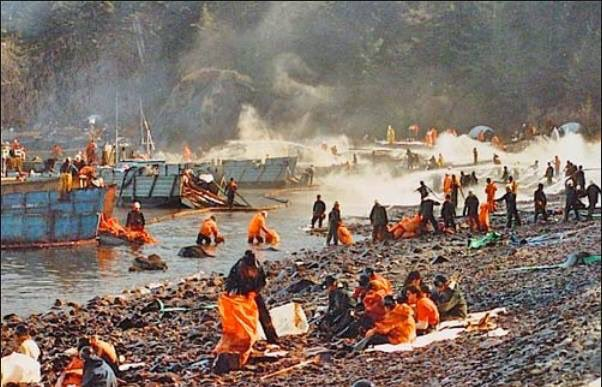 Twenty Eight years ago today was the #Exxon Valdez spill. The average life expectancy of workers is 51. Corexit kills. #ExxonKnew #Alaska<br>http://pic.twitter.com/rxYh9i2iGo