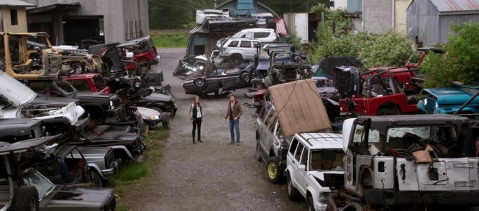 Pro tip: if you want to impress your date, take her to the junkyard and show her your superpowers. #Beyond <br>http://pic.twitter.com/bVBuJ82aKe