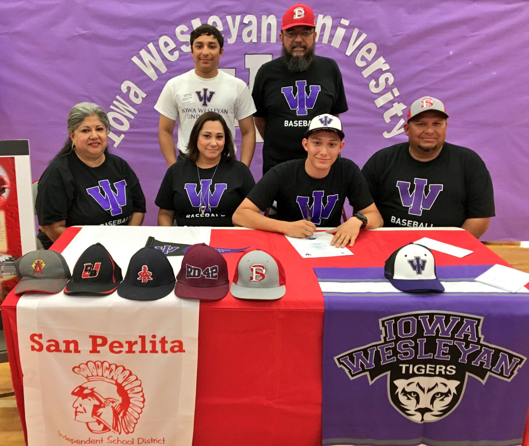 Clay Williams On Twitter San Perlita Catcher Daniel Garza Today Signs To Play Baseball For Iowa Wesleyan University In Mt Pleasant Ia Congrats Rgv Txhsbase Https T Co Yjygzm8idj
