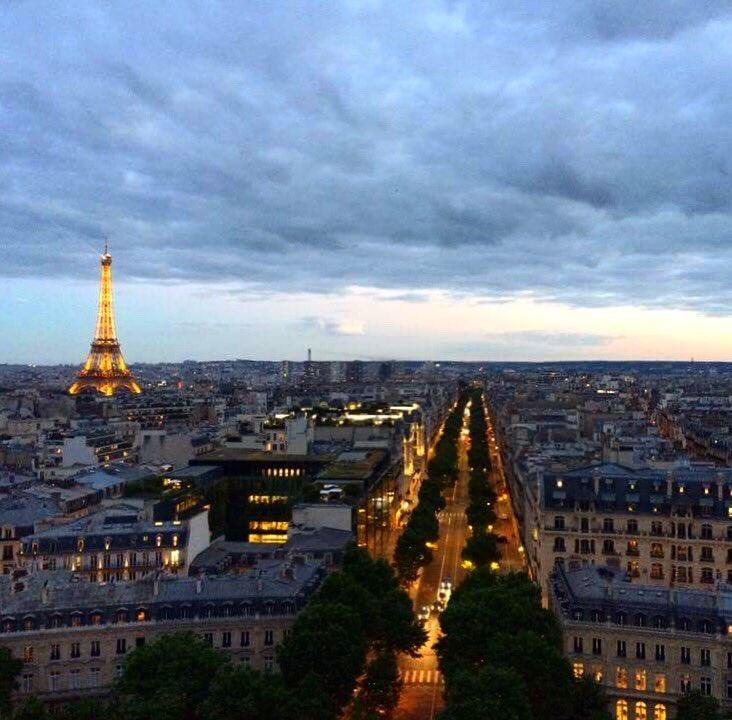 Toi, toi qui m&#39;a donné tout bonheur  #retour #paris <br>http://pic.twitter.com/hMFkRyhZ0H