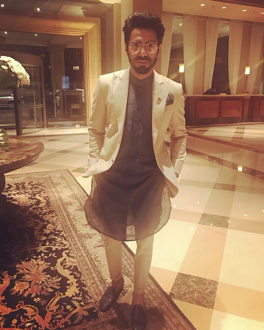 HT Style Awards #ootn #htstyleawards Kurta @AnA Suit @hiteshmpahuja @hpsuits Lapel Pin @thetiehub  Photo Courtesy @AhujaAakriti @htTweets https://t.co/hGZJTHNyxy