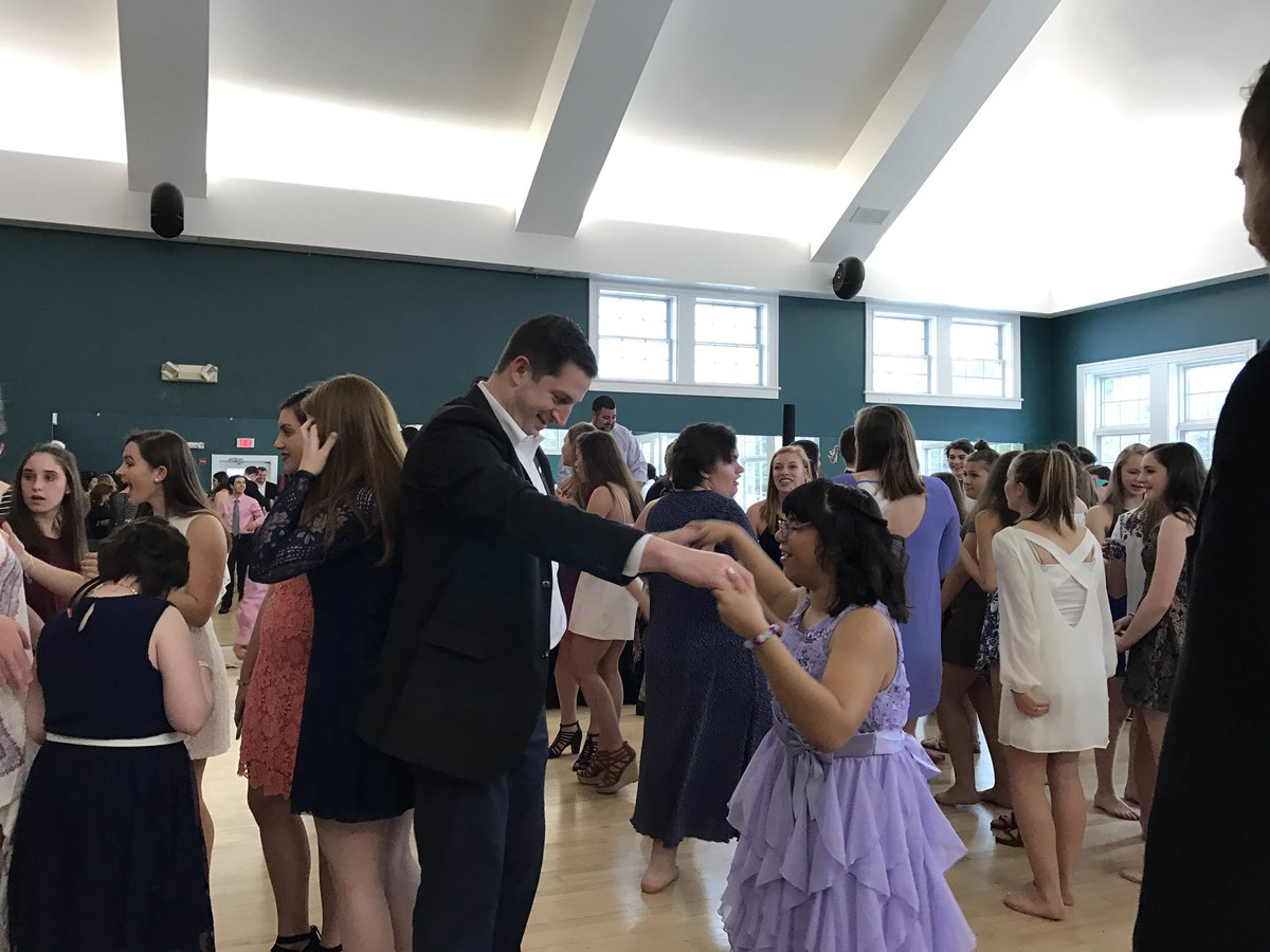 Best Buddies Prom 2017 via https://twitter.com/fps4students