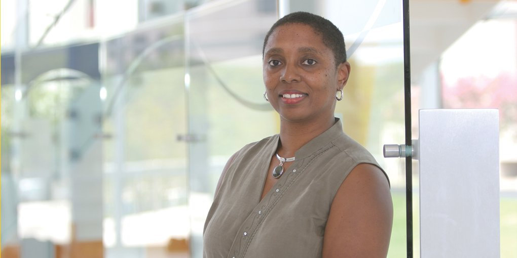 Valerie Taylor named #Argonne's new Mathematics and Computer Science Division Director - https://t.co/EeXAi70Cl2 https://t.co/WtTXyPuPIu