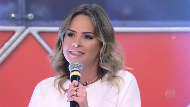 #OlhaElaNoLegendários! @anapaularenault fala sobre as polêmicas em que...