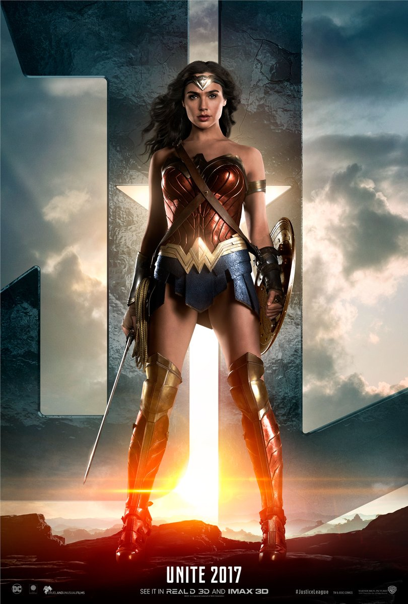 #WonderWoman unleashes her power in a new #JusticeLeague teaser https:...