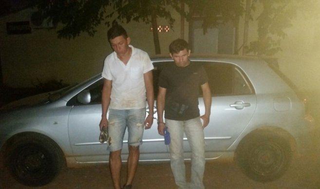 Aprehenden a dos hombres y recuperan vehículo robado