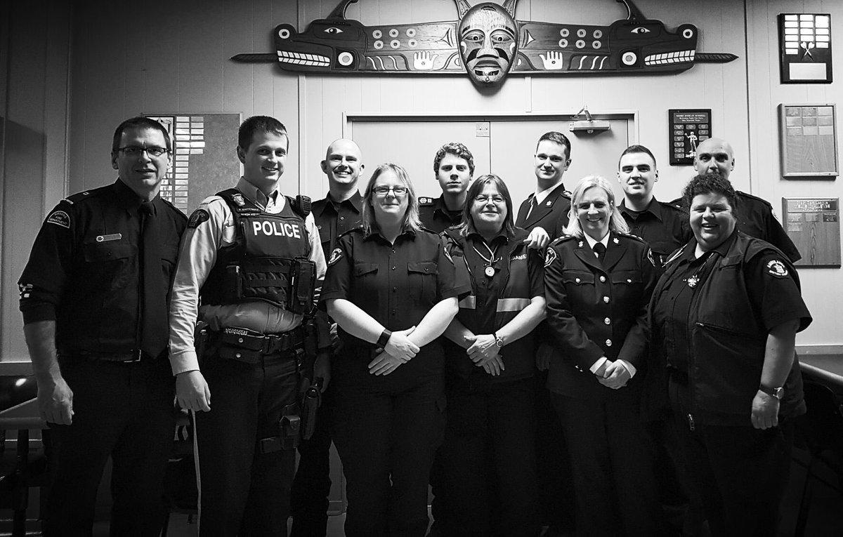 Wonderful Gibsons Legion First Responder thank you dinner. Paramedics, GVFD and RCMP united! #BCAS #BCEHS #FIRSTRESPONDERS <br>http://pic.twitter.com/eJCqTWeRmC