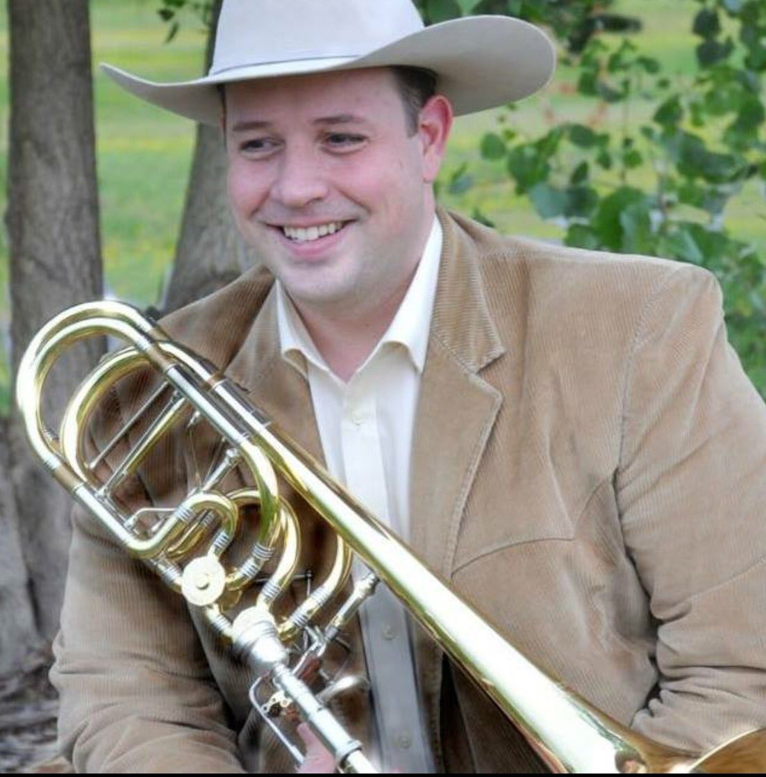 Welcome to the newest @LouOrch member Bass trombonist Bryan Heath ! #bass trombone #orchestra @LOMusicians #brass #lowbrass #musicians<br>http://pic.twitter.com/k9xoCr3sX7