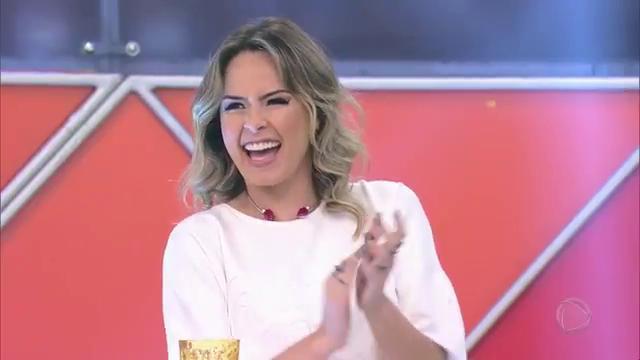 #OlhaElaNoLegendários! @anapaularenault no Canjica Show 😁 #Legendários...