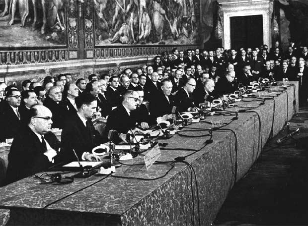 25 de marzo de 1957, tratado de Roma, nacimiento del proyecto europeo. Hoy, 60 años después, hemos perdido, sobre todo, la memoria. https://t.co/PKdwaGVIoA