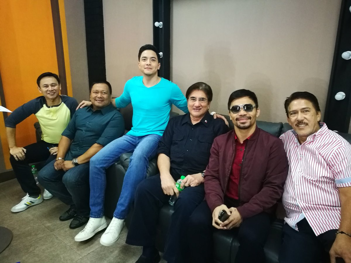 With @aldenrichards02 and fellow senators @sonnyangara @jvejercito @sonnyangara and Tito Sotto here at @EatBulaga. https://t.co/zf2xqcTjbB