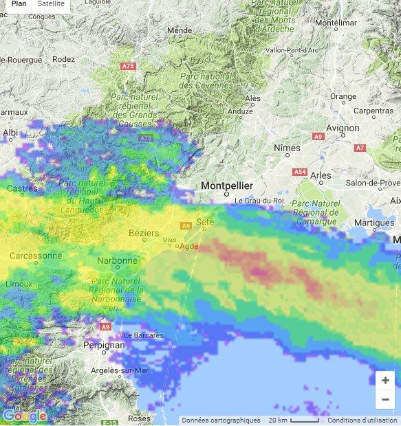 Une ligne de pluies et d&#39;#orages balaie l&#39;#Aude et Ouest #Hérault. Se dirige vers #Montpellier sous peu puis #Gard d&#39;ici 2h. CC meteo60 <br>http://pic.twitter.com/IkSsAyBaLh