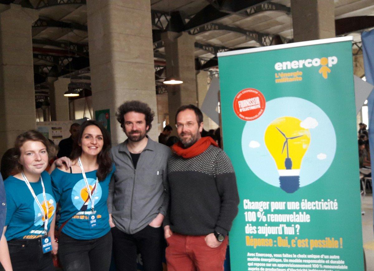 Toute l&#39;équipe @EnercoopAqui est ravie d&#39;accueillir @cdion pour parler #TransitionEnergetique citoyenne ! Passez nous voir à @DarwinBdx :)<br>http://pic.twitter.com/p83DDbPumS