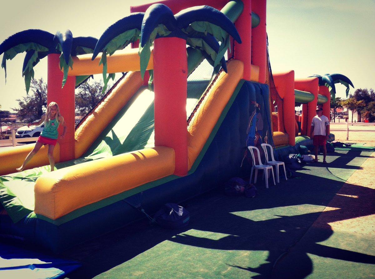 Réservez votre parcours gonflable. #jeu #event #children #anniversaire #birthday #enfants #gonflable #experience #souvenir #manege #play<br>http://pic.twitter.com/k67Co3M6lP