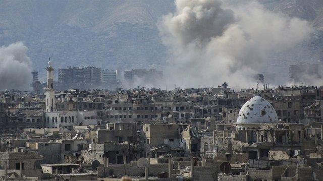 Esed rejimi Şam'ın Doğu Guta bölgesini vurdu, 10 kişi hayatını kaybett...
