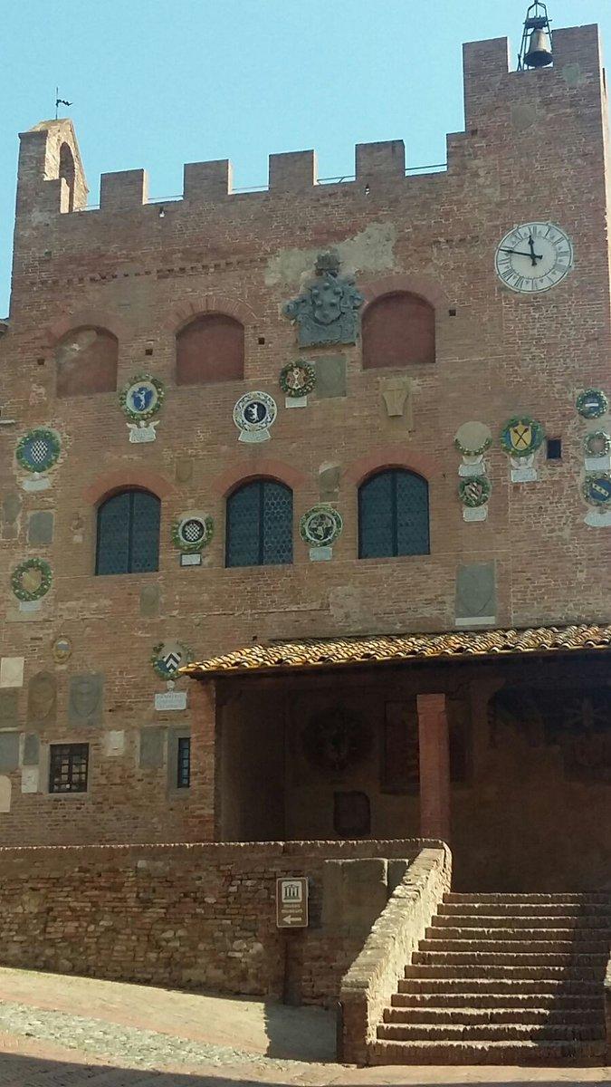Palazzo Pretorio Certaldo marzo #annodeiborghi #LuoghiLetterari #arte #cultura #eventi