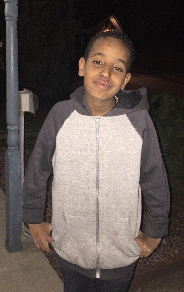 """PLEASE #RT: Robel Kelelew, 12, missing in Arapahoe Co. Last seen near S. Oneida & E. Arizona. 5'5"""", 100 lbs. https://t.co/vq3V0GbSaA"""