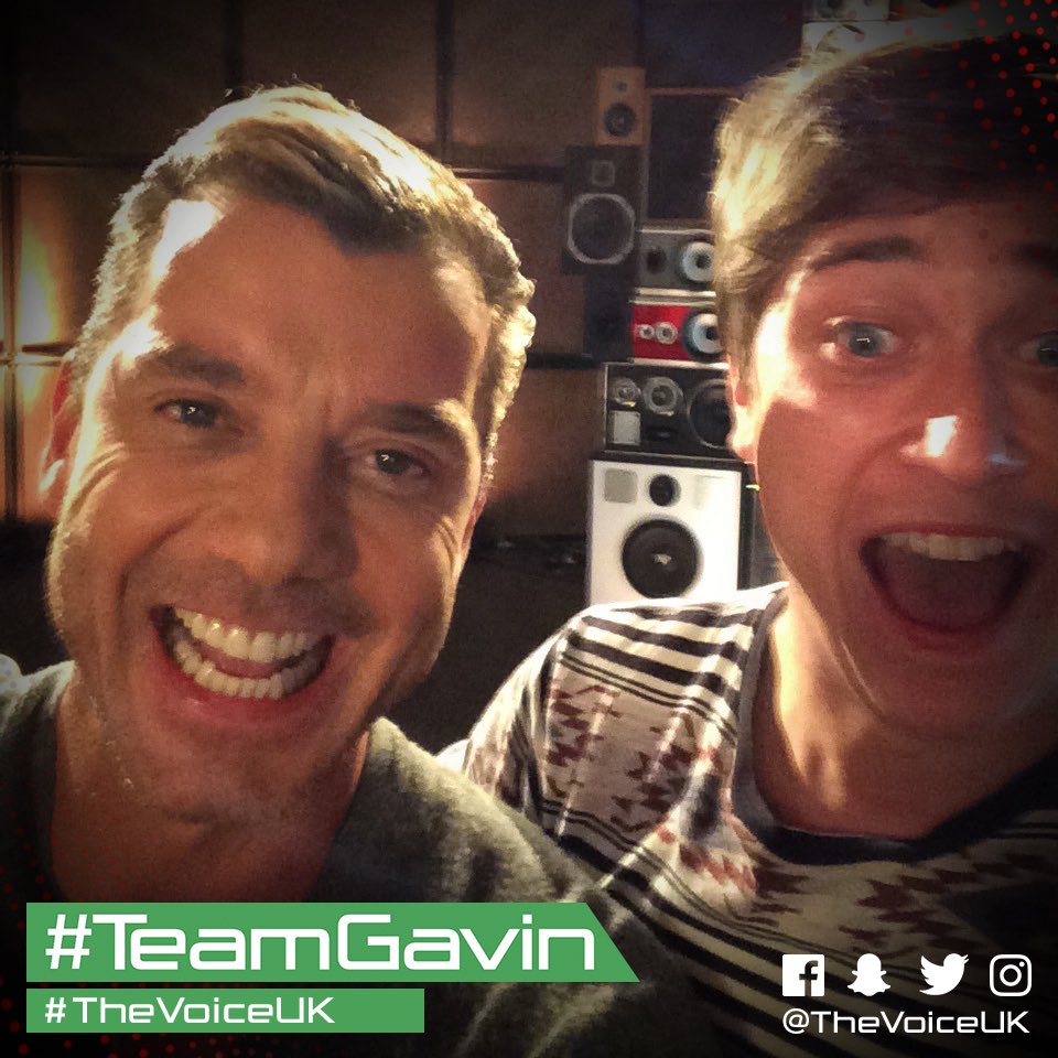Pre-show selfies from #TeamGavin @GavinRossdale, @maxvickers and @Trul...