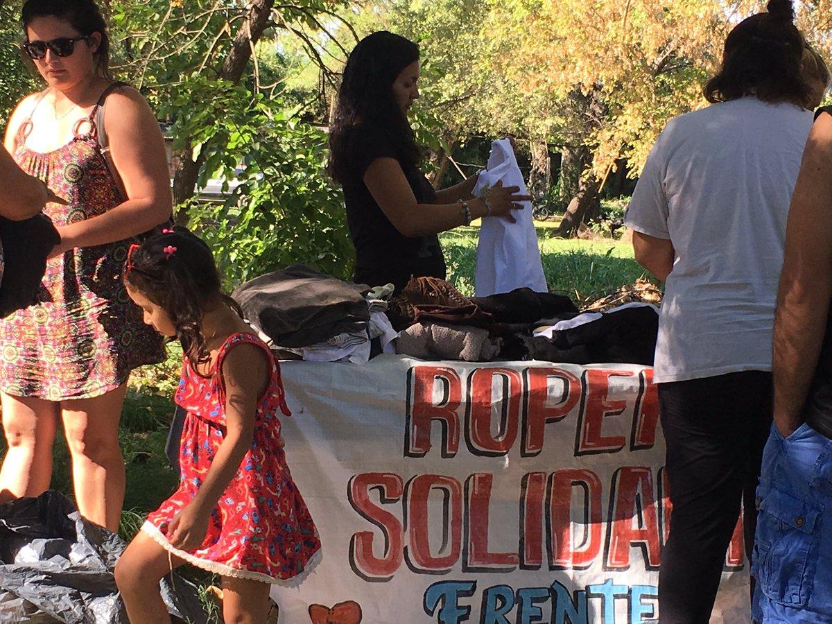 #RoperitoSolidario Barrio San Souci #Derqui Donde Está la Necesidad, está #FrenteRenovador @MalenaMassa<br>http://pic.twitter.com/k4nxexEmmf