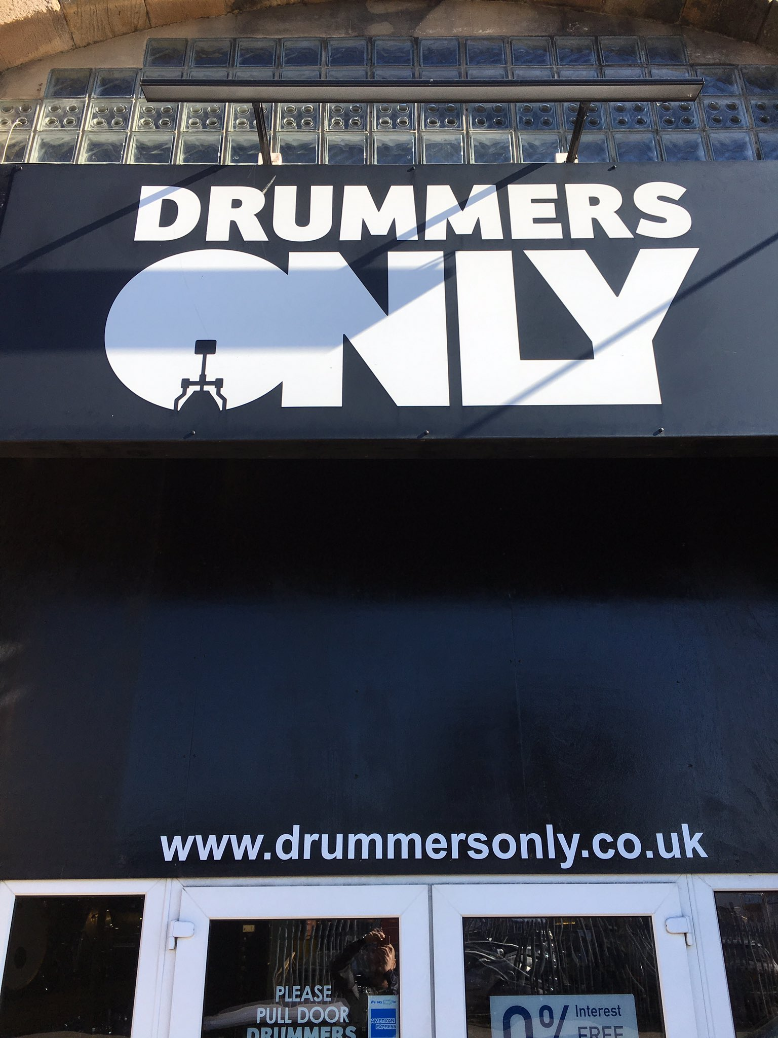 Top notch shop stocking top notch @britishdrumco products! Nice to meet you fellas @drummersonlyuk https://t.co/x7I4lRDKHr