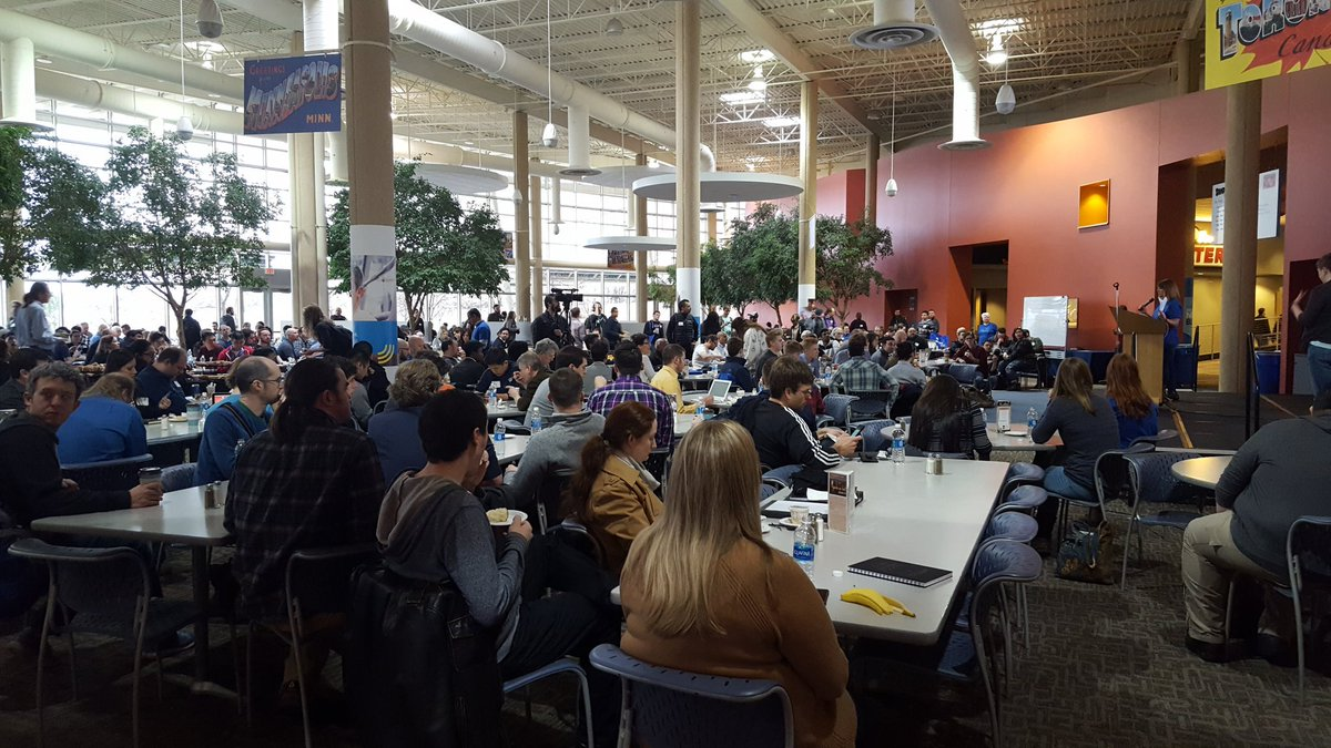 1,000+ at #MinneBar the Super Bowl of the #MNtech scene. Thank you @BestBuy for hosting us #Speaker #Sponsor https://t.co/if7nd5Qagg