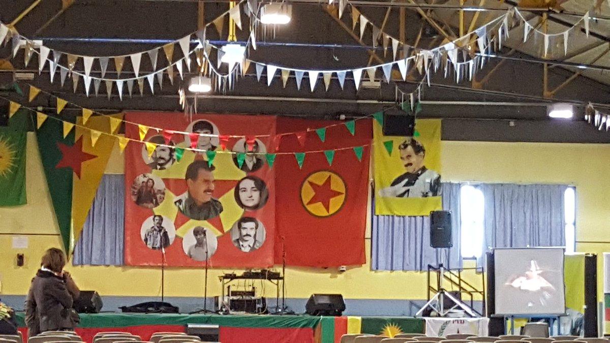 En direct du #NEWROZ à #Lyon #kurdistan vaincra ! <br>http://pic.twitter.com/mB22g7UJrd