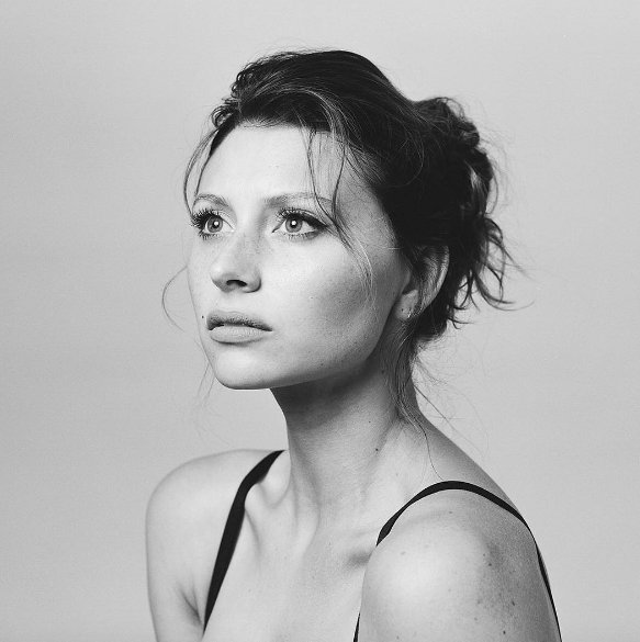 Happy birthday to our amazing Aly Michalka! Have a nice day, we love you