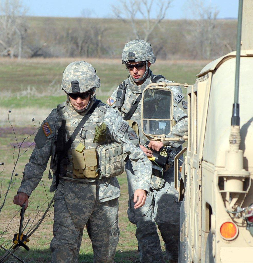 В течение дня военные пожарные потушили 10 из 12 очагов тления на технической территории арсенала в Балаклее, - Минобороны - Цензор.НЕТ 6621