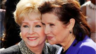 #Carrie Fisher and Debbie Reynolds: Fans to say goodbye at public service -   http:// theheadlines.co.uk/carrie-fisher- and-debbie-reynolds-fans-to-say-goodbye-at-public-service/ &nbsp; … <br>http://pic.twitter.com/ib74xTLsw6
