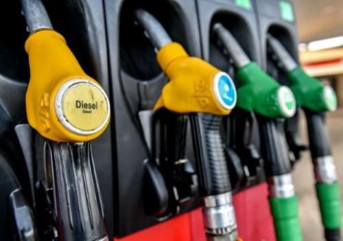 La baisse des prix se confirme à la pompe et c&#39;est bien parti pour durer #Aisne #Marne #Ardenne  http://www. lunion.fr/22468/article/ 2017-03-25/carburants-la-baisse-des-prix-se-confirme-la-pompe &nbsp; … <br>http://pic.twitter.com/GA7psNsQ84