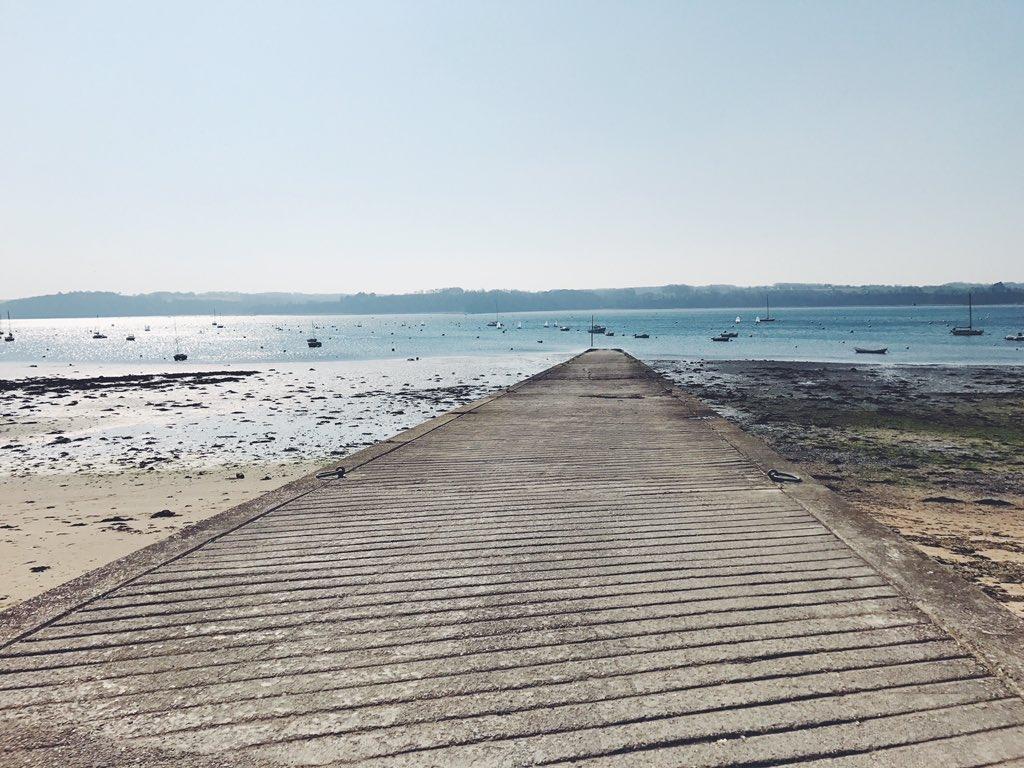 Week-end #chill à Saint Suliac &amp; à Dinard  <br>http://pic.twitter.com/qAFQEW5npo
