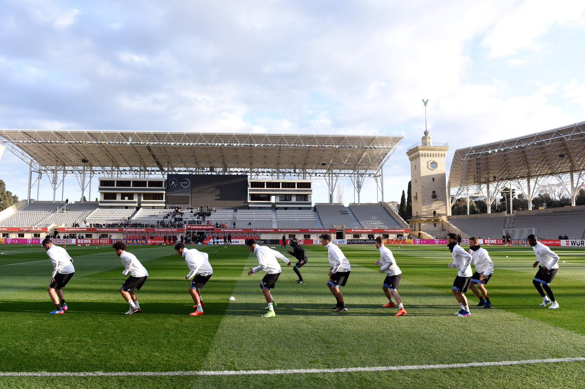 All 21 players in Baku 🇦🇿 were out training today. #DieMannschaft #AZE...
