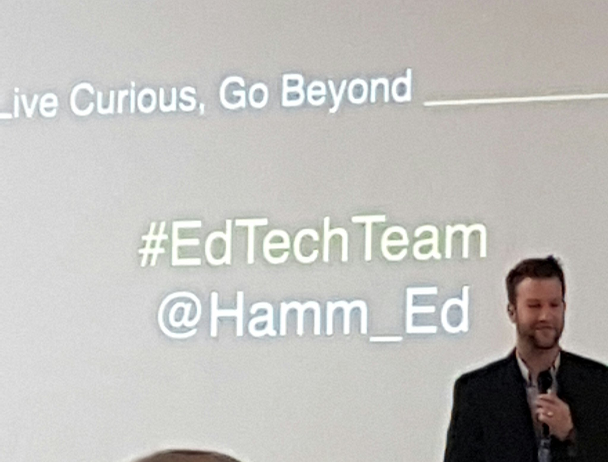 """Create problems that are user focused, not outcome driven."" I will live curious, and go beyond projects! Yes! @Hamm_Ed #edtechteam https://t.co/msTYLlLEj6"