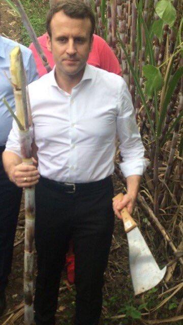 Je cherchais une vanne mais en fait la photo se suffit à elle-même. #MacronLaReunion