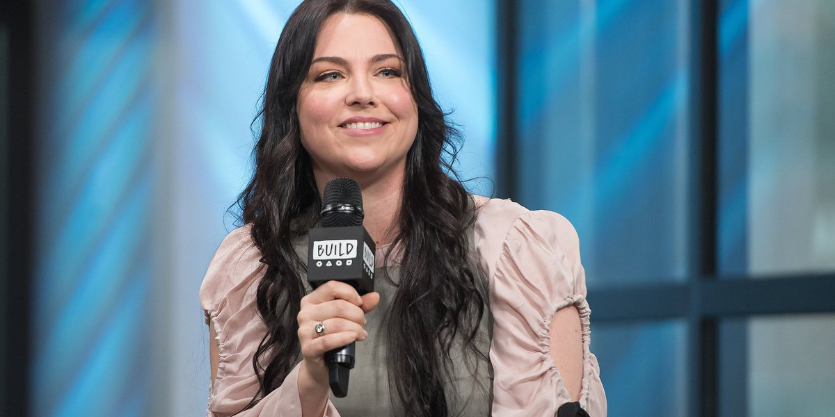 .@AmyLeeEV promises you'll like the new & very different Evanescence album huff.to/2n2TokP
