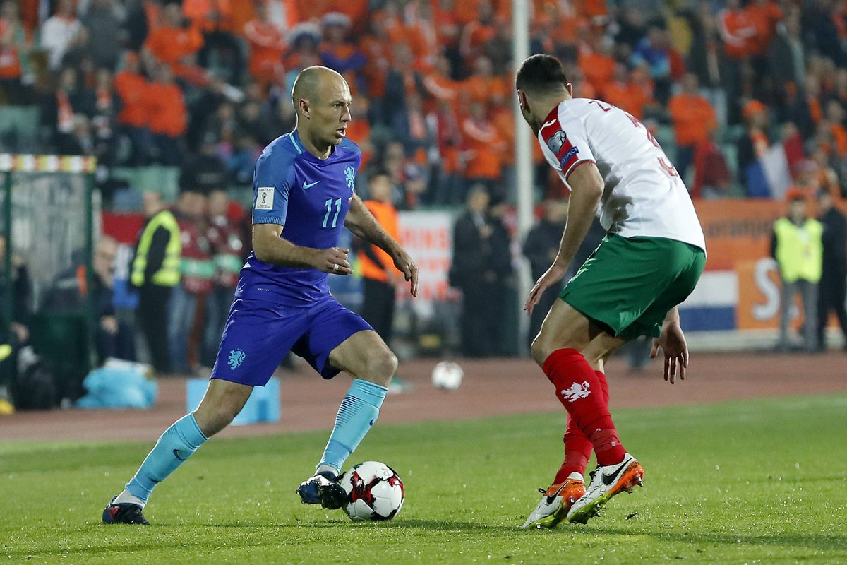 Bulgaria ran out 2-0 winners against Holland tonight. Chin up, @ArjenR...