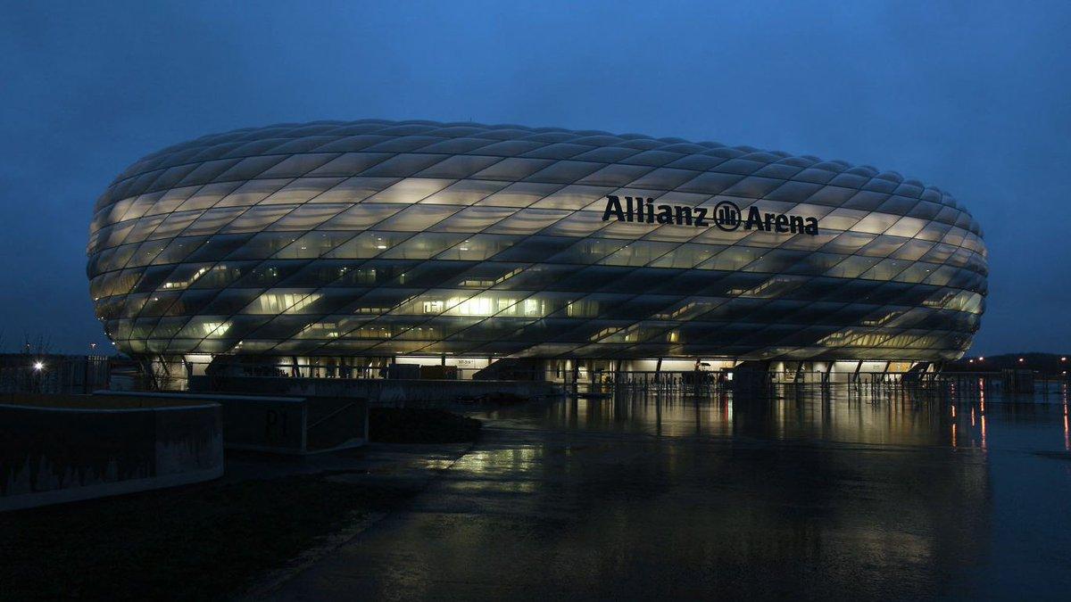 The #AllianzArena will not be lit up this evening between 20:30-21:30...