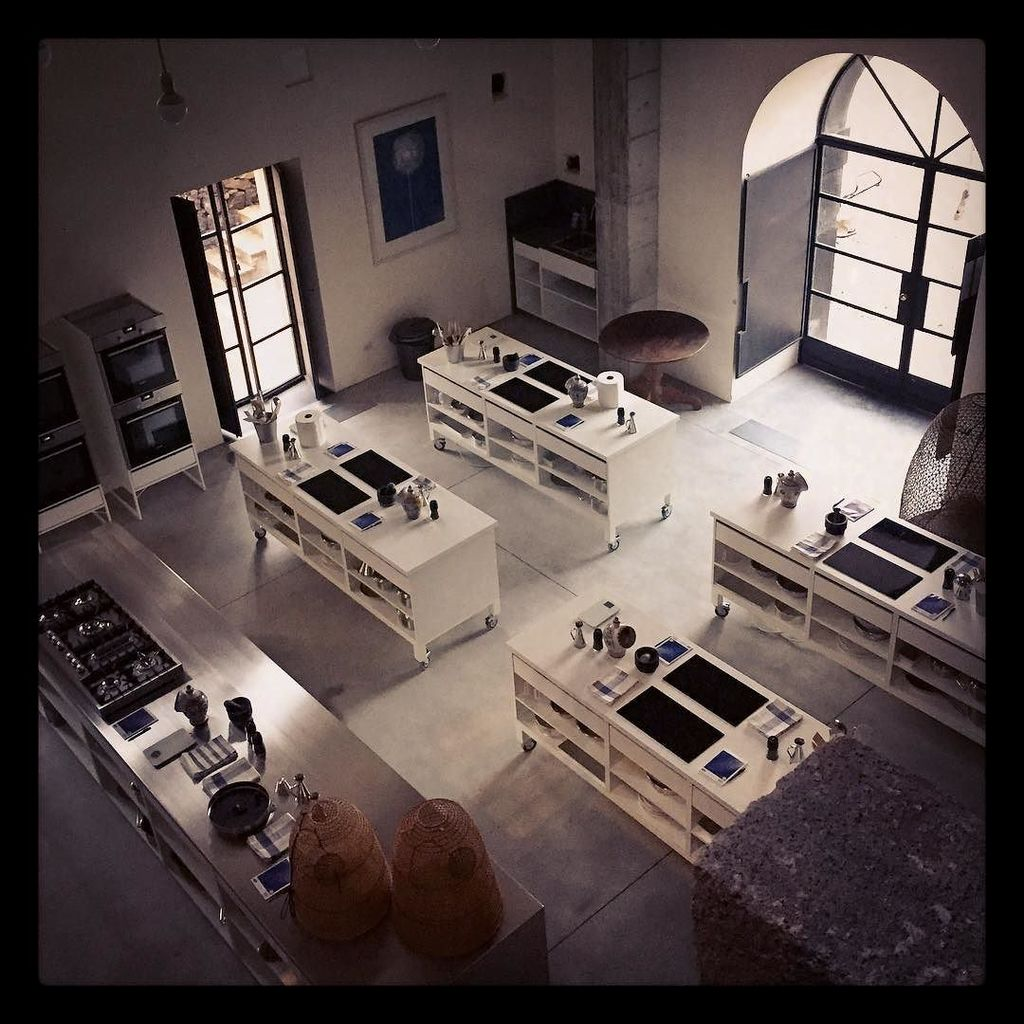 """""""Kitchen"""" We are very excited about hosting our first #visitingchef @skyegyngell for one w… https://t.co/c1GvzRkHPj"""