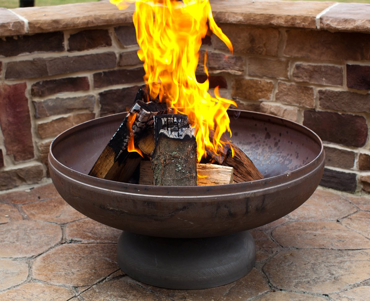 Check out this fire pit from Ohio Flame!   https://www. youtube.com/watch?v=xnR78o BR3sw &nbsp; …   #homerepair #homeimprovement <br>http://pic.twitter.com/AGEWJrmJmG
