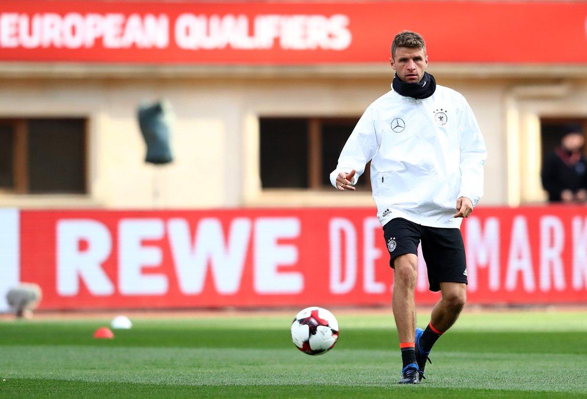 .@DFB_Team_EN final training session before #AZEGER complete ✔ #Müller...