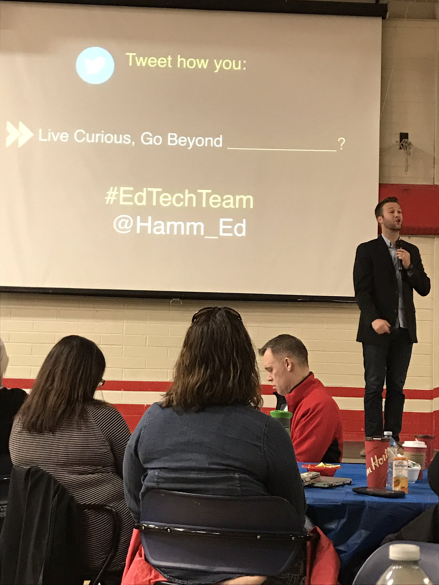 Morning keynote at Lethbridge gafe @Hamm_Ed @edtechteam https://t.co/6m0gOFjdHl